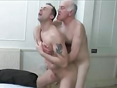 Ο παππούς hot clips - gay twink fisting