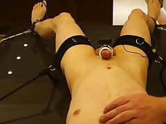 Vibrator hot clips - young twink fucked